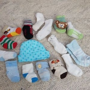 15 pairs baby boy socks & hat bundle